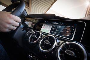 Mercedes-Benz triệu hồi hơn 340.000 xe do lỗi camera lùi