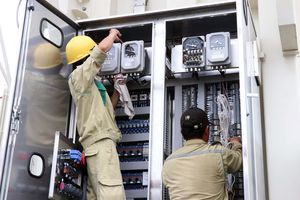 Đóng điện dự án nâng công suất trạm biến áp 220 kV Sơn Hà