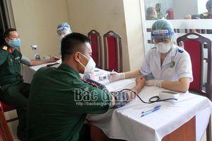 Bắc Giang: Tiêm vắc xin phòng Covid-19 cho cán bộ, công chức, viên chức