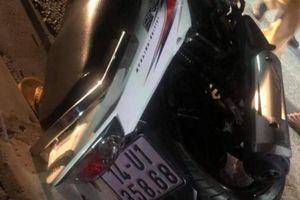 Tìm người thân tài xế xe máy tự ngã tử vong trên QL18 trong đêm