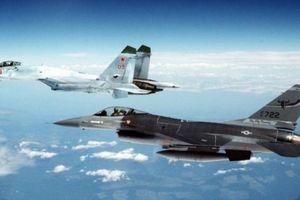 Tướng Mỹ thừa nhận phi công Nga quá 'lì đòn'