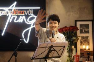 COVID-19 không 'cản' được Quang Trung trở thành… ca sĩ