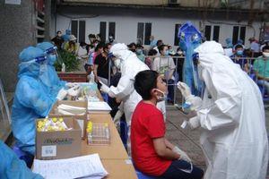 Có hơn 4.000 người từ TP Hồ Chí Minh và Bắc Giang trở về Hà Nội