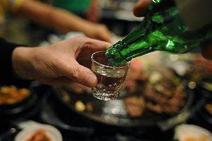 Sau khi uống rượu bia, thấy cơ thể có 4 dấu hiệu này chứng tỏ gan đang tổn thương nghiêm trọng