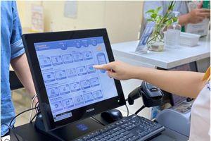 Với CAS-Counter, một giao dịch viên của BĐVN có thể cung cấp cùng lúc gần 100 dịch vụ bưu chính