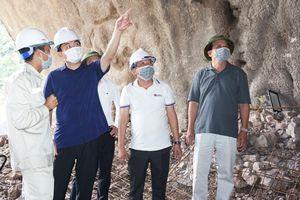Phó Bí thư Thường trực Tỉnh ủy kiểm tra tiến độ triển khai hầm đường bộ thuộc dự án Đường bao biển Hạ Long - Cẩm Phả