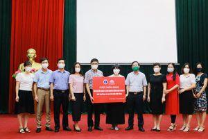 Nhiều đơn vị của Bộ Y tế chung tay ủng hộ Bắc Ninh, Bắc Giang chống dịch