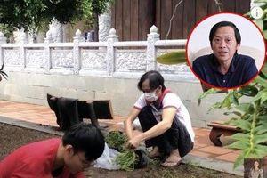Hình ảnh hiếm hoi của nghệ sĩ Hoài Linh giữa tâm điểm ồn ào tiền từ thiện