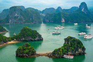 Vịnh Hạ Long đứng đầu danh sách top 10 vịnh biển đẹp nhất trên thế giới