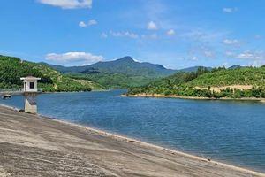 Chịu khát bên hồ chứa hơn 11 triệu khối nước