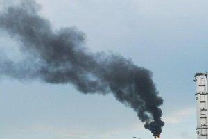 Bà Rịa-Vũng Tàu: Cột khói đen kịt trên bầu trời khiến người dân hoang mang
