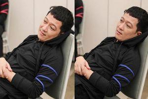 Trường Giang ngồi thất thần ở hậu trường Running Man, fan nghi ngờ đã bị Trương Thế Vinh 'rắc muối tiêu'