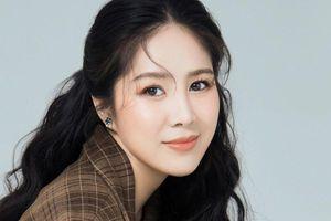 Chỉ thay đổi ảnh đại diện, Lê Phương đã khiến dân tình 'dậy sóng' vì nhan sắc xinh đẹp