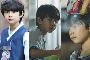 Cậu bé 10 tuổi đang hot trên màn ảnh Hàn hóa ra là người quen, từng có phim đạt Oscar