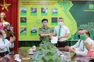 Khen thưởng lái xe Công ty Mai Linh Thanh Hóa tố giác người nhập cảnh trái phép