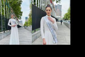 Khánh Vân thả dáng kiêu sa với áo dài truyền thống ở trời Tây