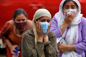 'Bố mẹ tôi may mắn mất trước đỉnh điểm làn sóng Covid-19 ở Ấn Độ'