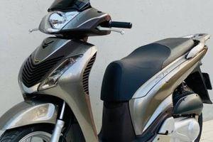 Cận cảnh xe máy Honda SH150 10 'tuổi' giá cao hơn cả ô tô HR-V 2021