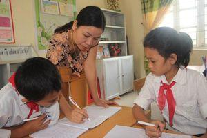 Cắt giảm chứng chỉ tiêu chuẩn chức danh nghề nghiệp giáo viên: Giải tỏa áp lực không đáng có