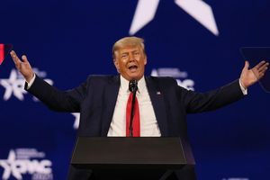 Nửa năm sau bầu cử, ông Trump vẫn đang đòi đếm phiếu lại