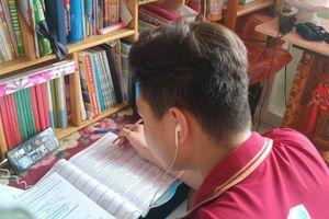 Ôn tập trực tuyến cho học sinh khối 12 tại TP.HCM: Mong phụ huynh phối hợp