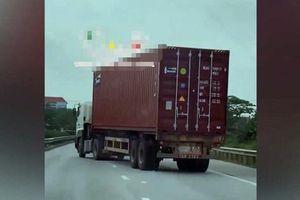 Tài xế lái container đánh võng trên QL5 khi bị cảnh sát yêu cầu dừng xe