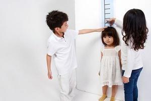 Con trai 4 tuổi mà đã cao 1,3m khiến cả nhà tự hào, khi nghe bác sỹ giải thích, người mẹ gục xuống khóc