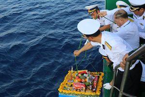 Thiêng liêng lễ tưởng niệm liệt sỹ Trường Sa trên Biển Đông