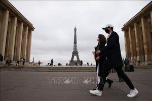 Pháp công bố kế hoạch mở cửa biên giới
