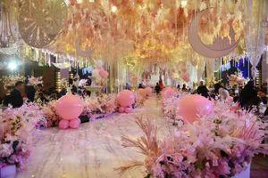 Tiệc sinh nhật linh đình, xa hoa như tiệc cưới của học sinh tiểu học Trung Quốc