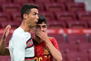 Siêu sao Ronaldo bị chửi rủa trong ngày trở lại Madrid