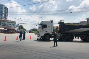 Bình Dương: Va chạm với xe ben, 2 người thương vong