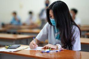 Lịch thi vào lớp 10 trùng nhau, một số trường chuyên sẽ hoàn lệ phí