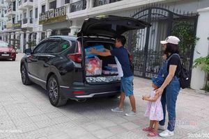 Vợ chồng công chức lương không dư dả, có nên mua ô tô?