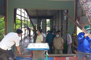 Hỗ trợ các hộ dân ở thị trấn An Phú bị ảnh hưởng sạt lở
