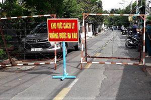 TP.HCM phong tỏa một đoạn đường trong khu dân cư ở Hóc Môn