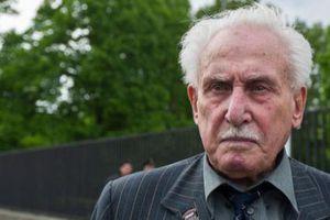 Người lính cuối cùng tham gia giải phóng trại Auschwitz qua đời ở tuổi 98
