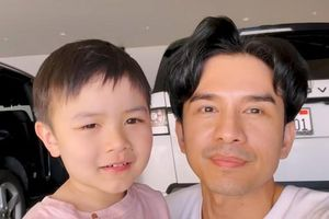 Con trai Đan Trường vỡ òa vì bố trở về Mỹ sau thời gian dài xa cách do dịch COVID-19