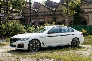 Ngắm BMW 5-Series 2021 mới ra mắt tại Malaysia, có tùy chọn động cơ hybrid