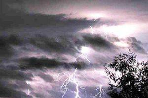 Hà Nội sắp có mưa giông, trong cơn giông khả năng có lốc sét và gió giật mạnh