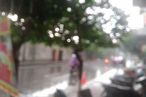 Clip: Mưa lớn đã 'giải nhiệt' cho Hà Nội sau đợt nắng nóng