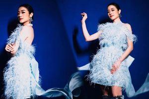 MC Phí Linh diện váy màu baby blue đẹp tuyệt trên sân khấu The Heroes
