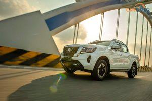 Trải nghiệm Nissan Navara 2021: Bán tải đi phố không chỉ đẹp mà còn chất