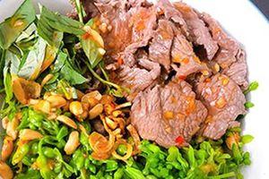 Cách làm món gỏi hoa thiên lý thịt bò