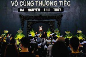 Xúc động khoảnh khắc tiễn biệt Hoa hậu Thu Thủy