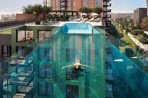 Bể bơi xuyên thấu giữa không trung đầu tiên trên thế giới