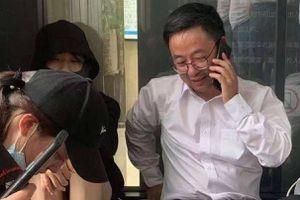 Sinh viên Trung Quốc giữ hiệu trưởng làm con tin
