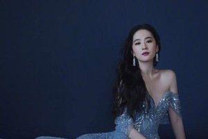 Lưu Diệc Phi quyến rũ với chiếc váy màu xanh