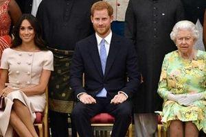 Cặp đôi Harry - Meghan 'làm lành' với Hoàng gia Anh?