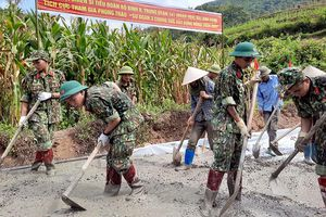 Sư đoàn 3 thi đua giúp nhân dân giảm nghèo bền vững